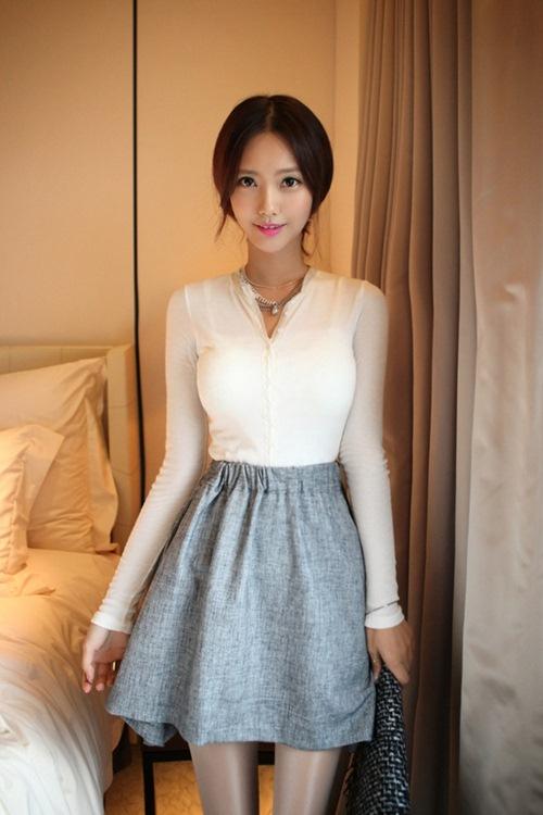 áo thun trắng đơn giản